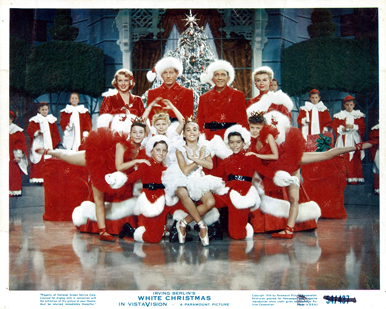Bing Crosby, Danny Kaye, Rosemary Clooney, and Vera-Ellen in White Christmas (1954)