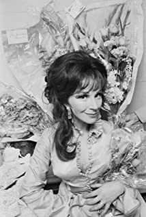Fenella Fielding Picture