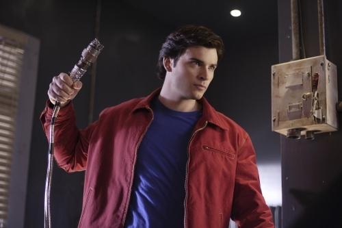 Smallville 8×15 – Infame