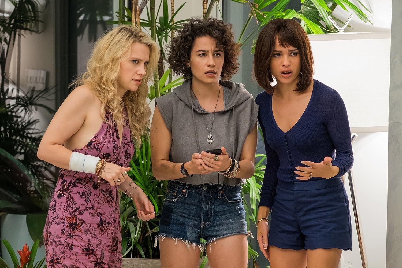 Kate McKinnon, Zoë Kravitz, and Ilana Glazer in Rough Night (2017)