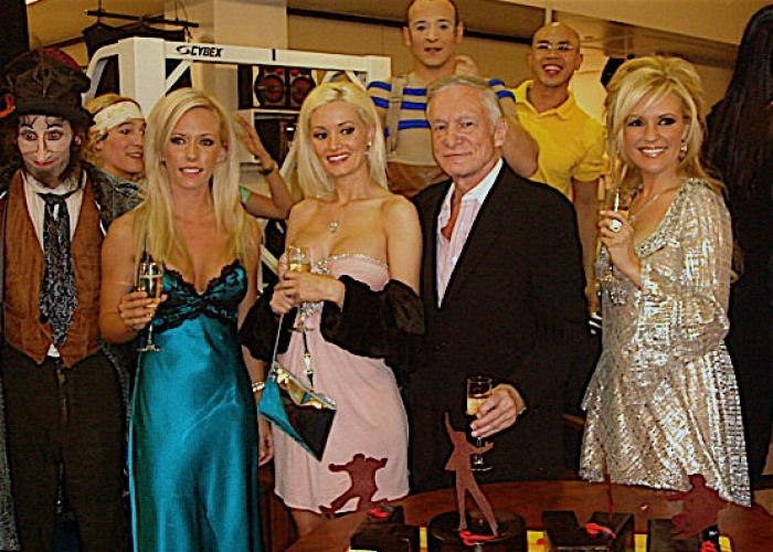 Holly madison kendra wilkinson girl next door the intelligible