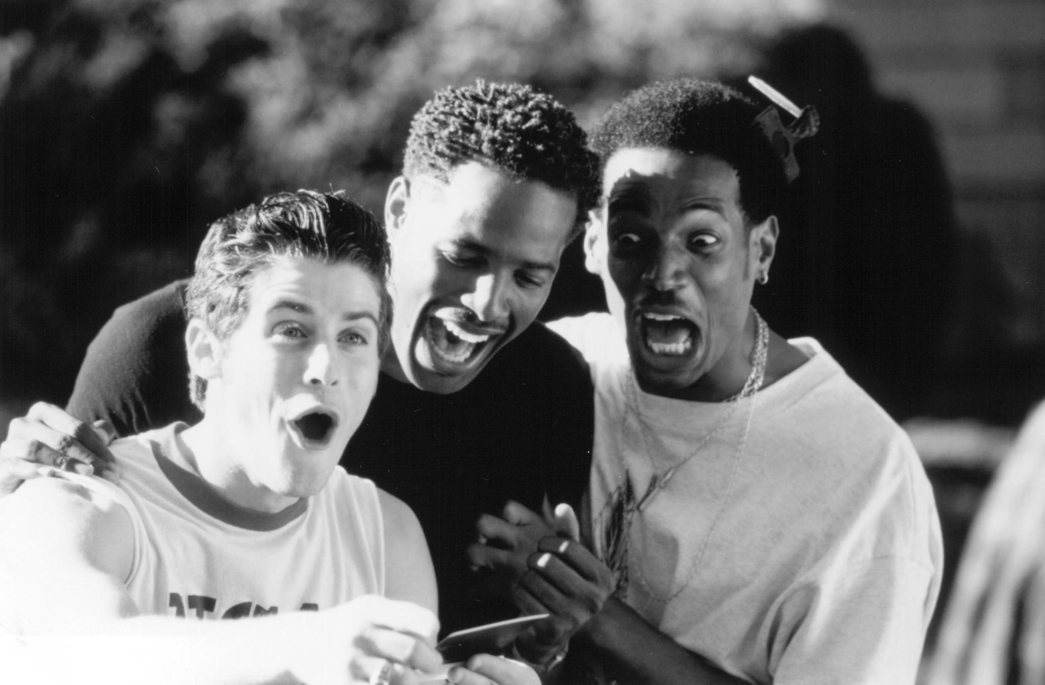 Marlon Wayans, Jon Abrahams, and Shawn Wayans in Scary Movie (2000)