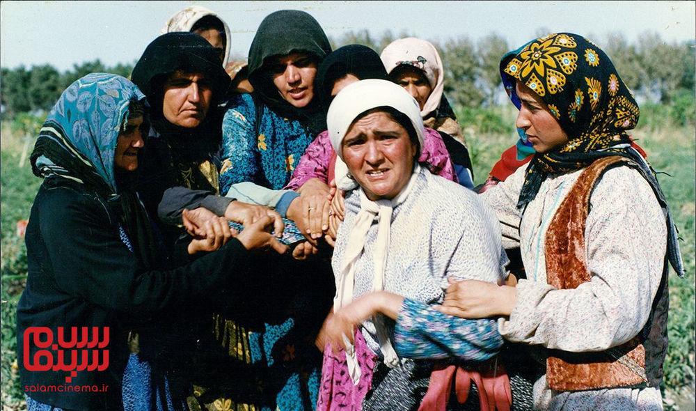 Golab Adineh in Rusari Abi (1995)