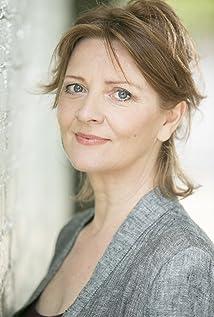 Yvonne O'Grady Picture