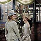 Jessica Hecht and Jane Sibbett in Friends (1994)