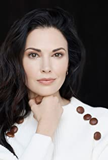 Laura Mennell Picture