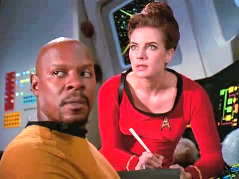 Terry Farrell and Avery Brooks in Star Trek: Deep Space Nine (1993)