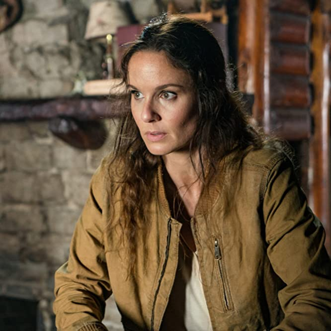 Sarah Wayne Callies in Colony (2016)