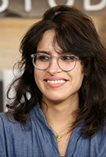 Desiree Akhavan Picture