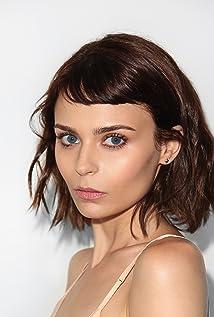 Alexandra Krosney Picture