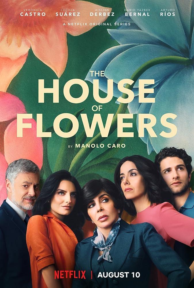 Verónica Castro, Arturo Ríos, Cecilia Suárez, Aislinn Derbez, and Dario Yazbek Bernal in La casa de las flores (2018)