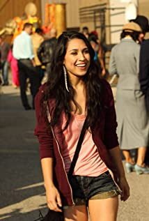 Cassie Steele Picture
