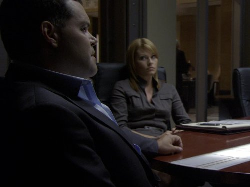 Aaron Douglas and Ona Grauer in The Bridge (2010)