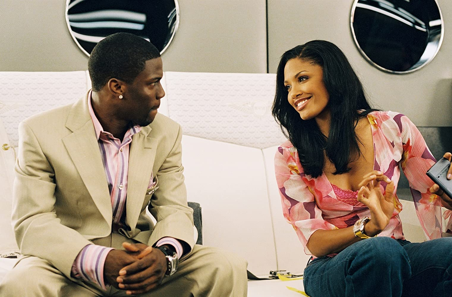 Kevin Hart and K.D. Aubert in Soul Plane (2004)