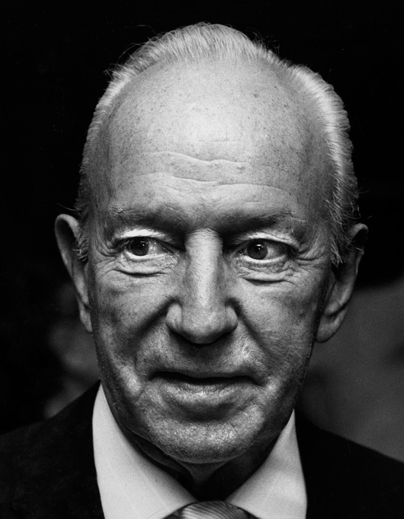 Lloyd Nolan's primary photo