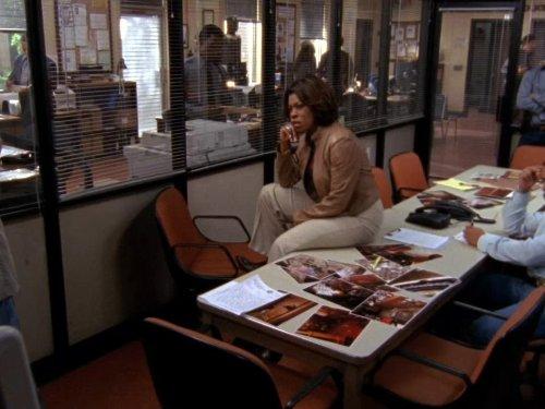 Lorraine Toussaint in Saving Grace (2007)