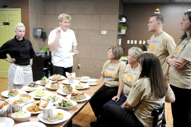 Gordon Ramsay, Danielle Keller, Kathryn Keller, Claire Keller, and Erin Keller in Kitchen Nightmares (2007)