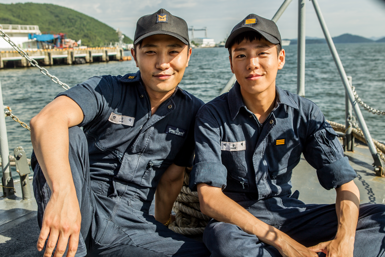 Jin Goo and Hyun-Woo Lee in Yeonpyeong haejeon (2015)