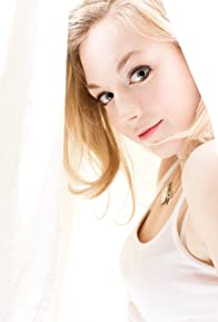 Primary photo for Emily Kinney