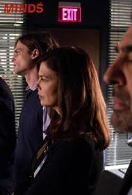 Jeanne Tripplehorn, Joe Mantegna, Thomas Gibson, and Matthew Gray Gubler in Criminal Minds (2005)