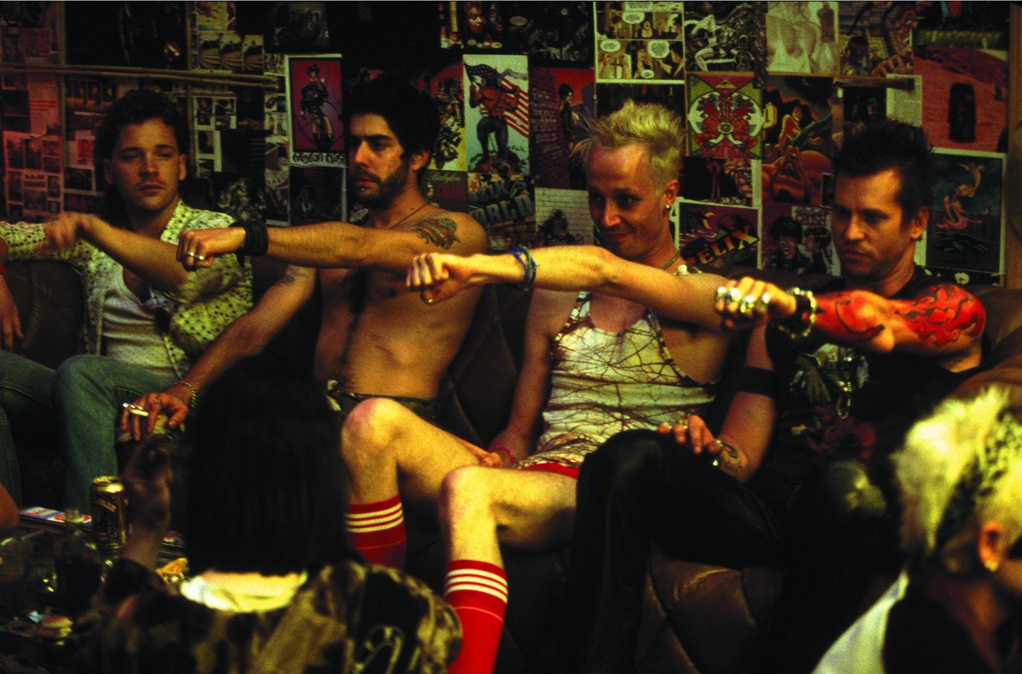 Val Kilmer, Adam Goldberg, Peter Sarsgaard, and Ricky Trammell in The Salton Sea (2002)
