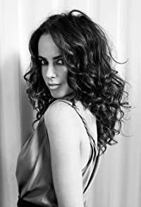 Primary photo for Amy Manson
