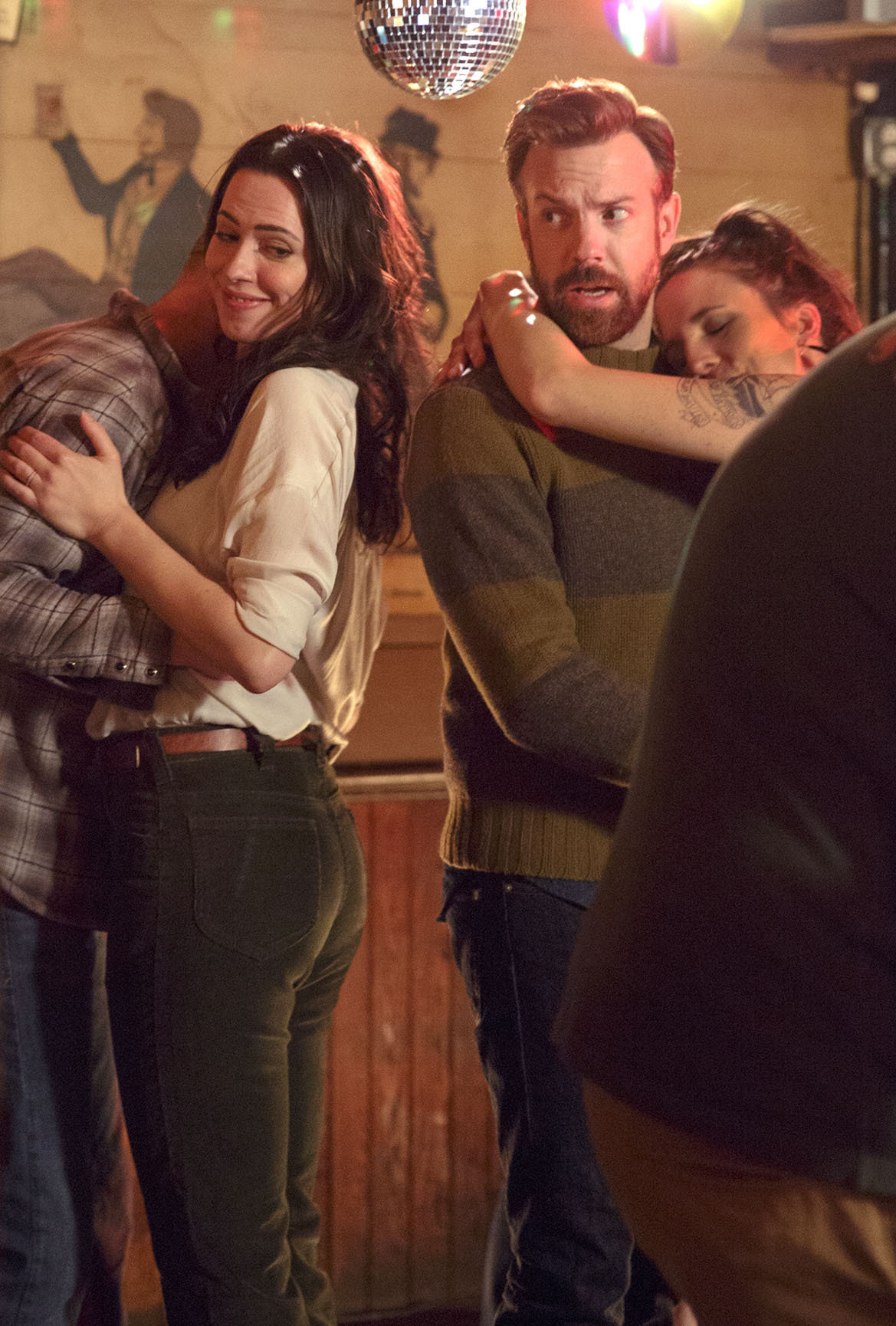 Rebecca Hall as Hannah and Jason Sudeikis as Andrew in Tumbledown