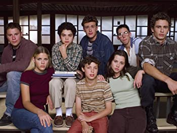Linda Cardellini, Busy Philipps, John Francis Daley, James Franco, Samm Levine, Seth Rogen, Martin Starr, and Jason Segel in Freaks and Geeks (1999)
