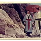 Chun Shih and Polly Ling-Feng Shang-Kuan in Long men kezhan (1967)