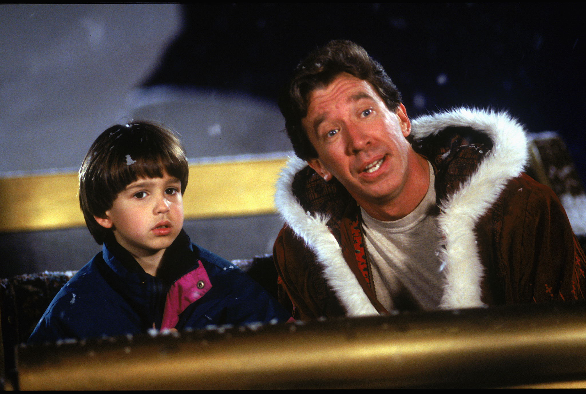 Tim Allen and Eric Lloyd in The Santa Clause (1994)