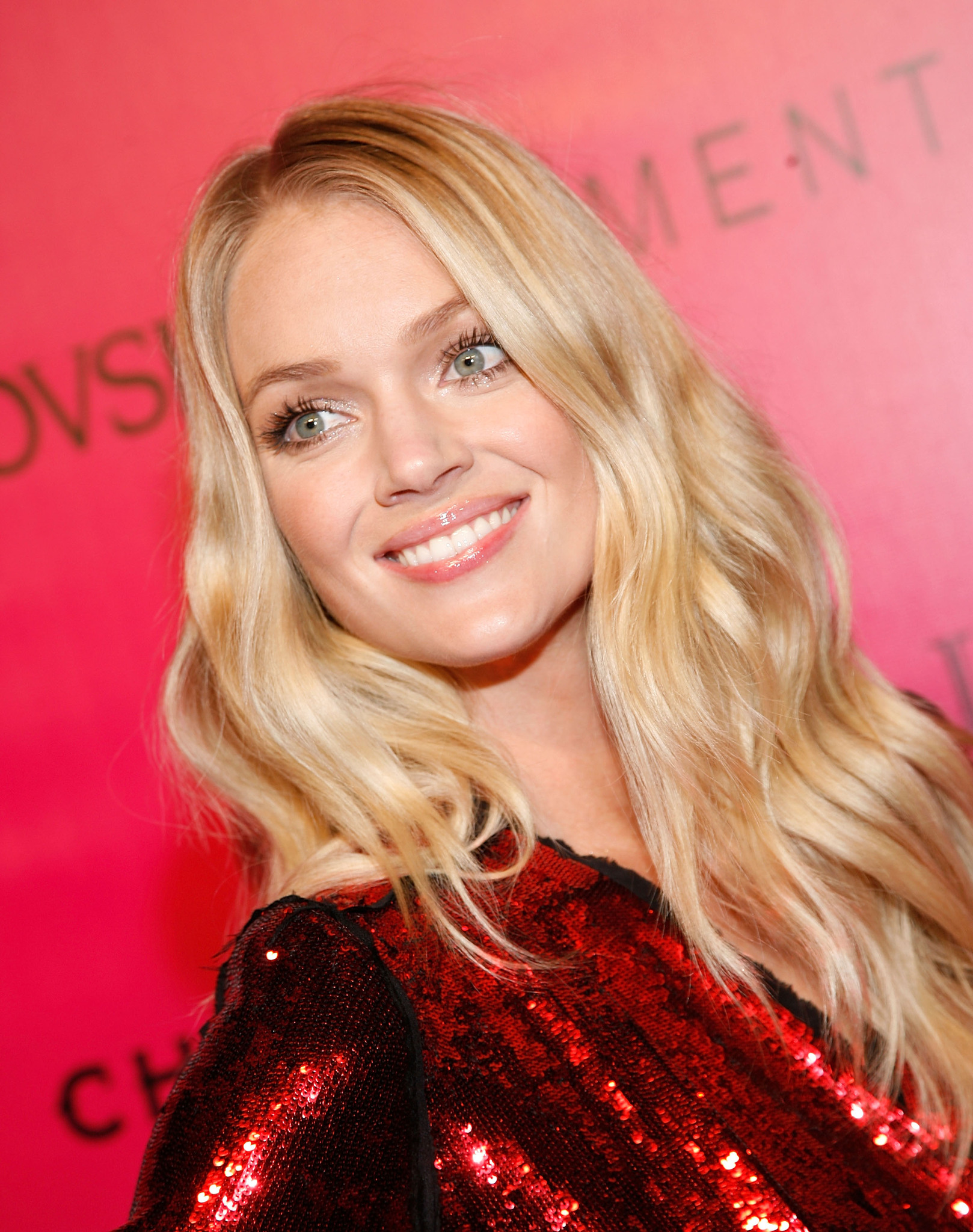 Lindsay Ellingson full body