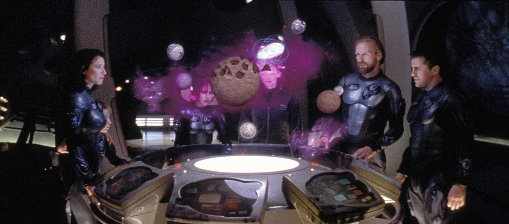 Mimi Rogers, Lacey Chabert, William Hurt, Heather Graham, Matt LeBlanc, and Jack Johnson in Lost in Space (1998)