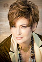 Carolyn Hennesy's primary photo