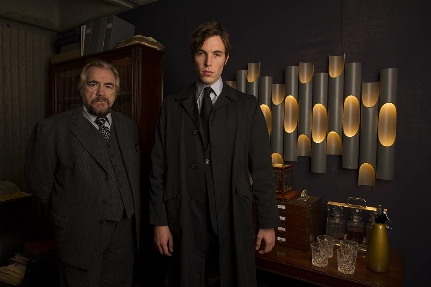 Brian Cox and Tom Hughes in The Game (2014)