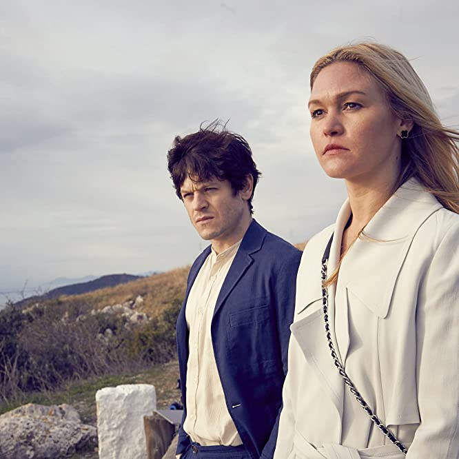 Julia Stiles and Iwan Rheon in Riviera (2017)