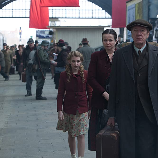 Geoffrey Rush, Emily Watson, and Sophie Nélisse in The Book Thief (2013)