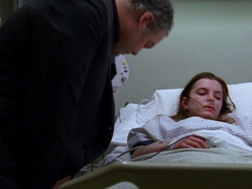 La ley y el orden: Intento Criminal 8×01 – Jugando muerto