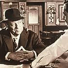Jean Gabin and Vittorio Sanipoli in Maigret voit rouge (1963)