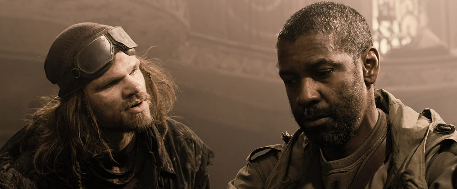 Denzel Washington and Evan Jones in The Book of Eli (2010)