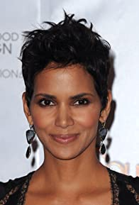 Primary photo for Halle Berry