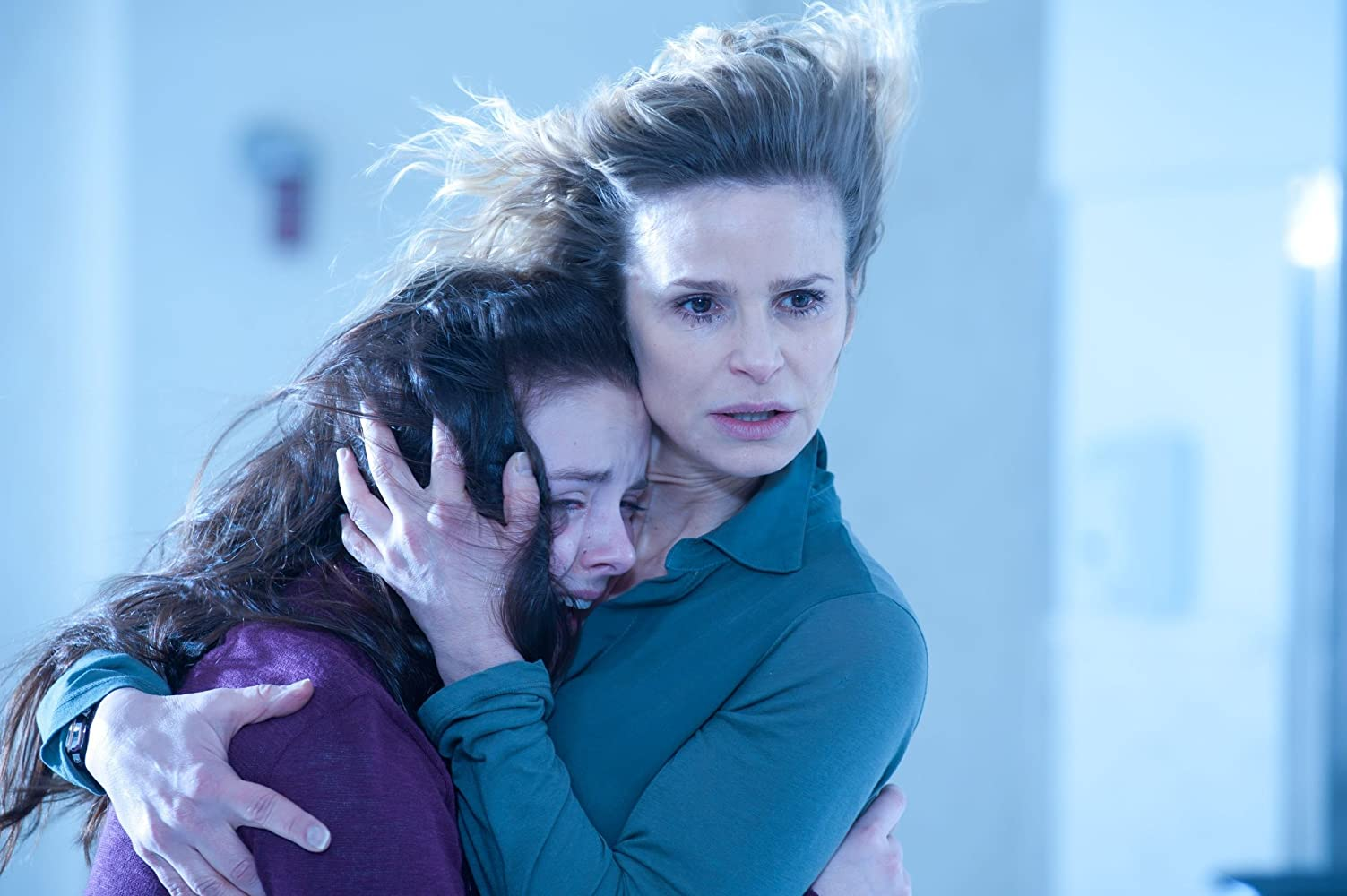 Kyra Sedgwick and Madison Davenport in The Possession (2012)