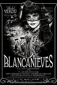 Maribel Verdú and Macarena García in Blancanieves (2012)