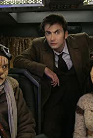 Jennifer Hennessy, Ardal O'Hanlon, and David Tennant in Doctor Who (2005)