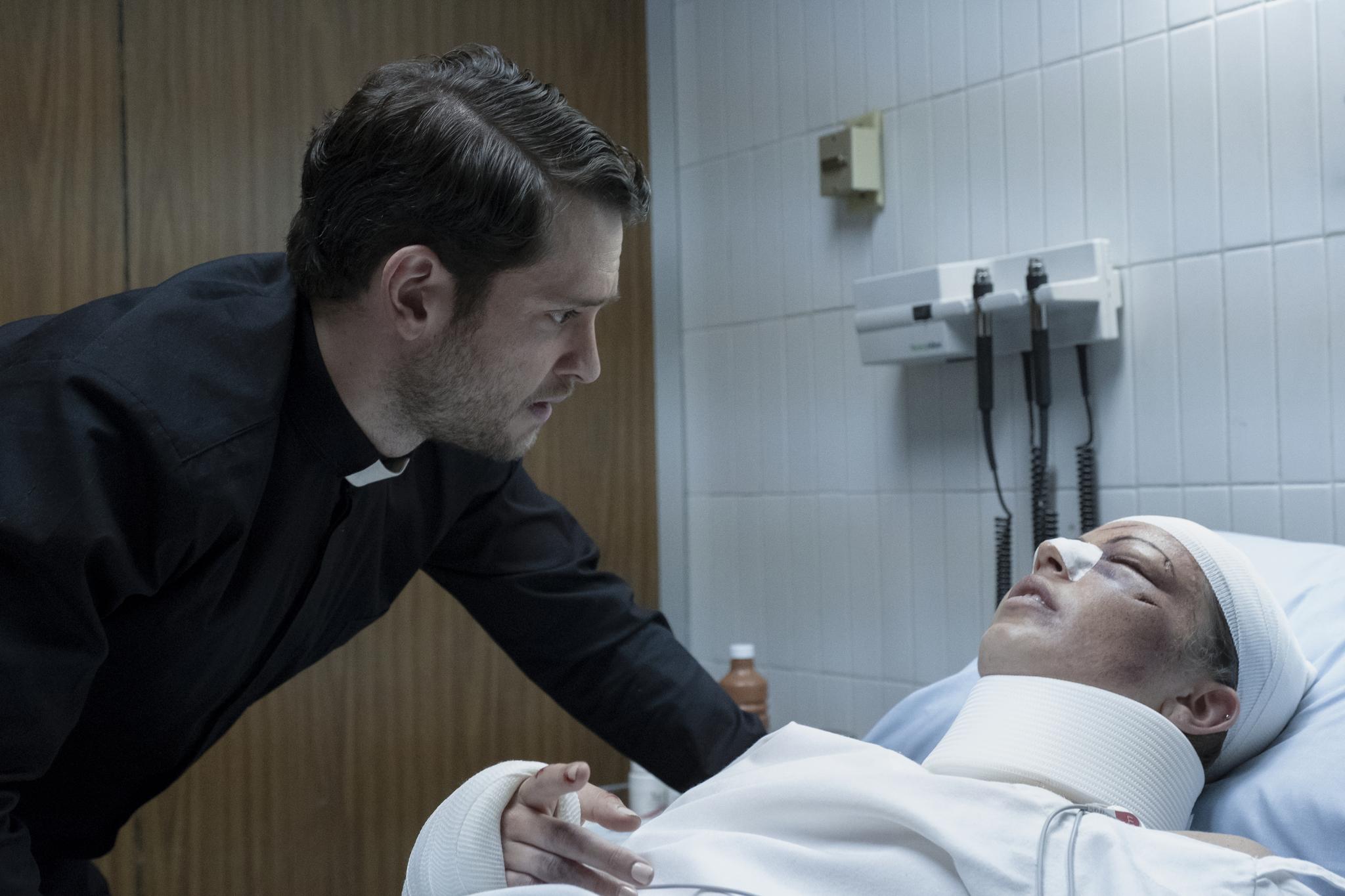 Christopher Von Uckermann and Alexa Martin in Diablero (2018)
