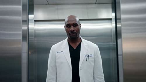 The Resident: Cain, Voss, & Bell Help Patients From The Crash