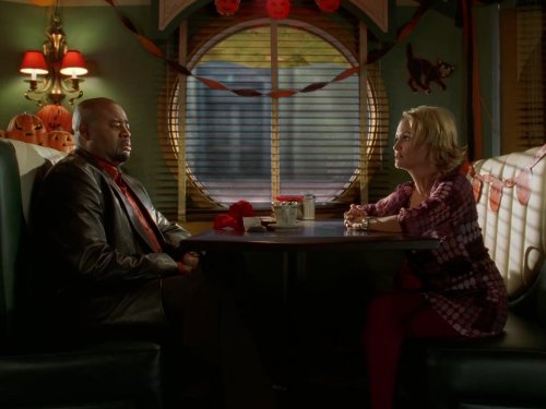 Kristin Chenoweth and Chi McBride in Pushing Daisies (2007)