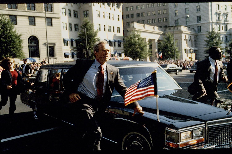 Adegan dalam film In the Line of Fire (1993)