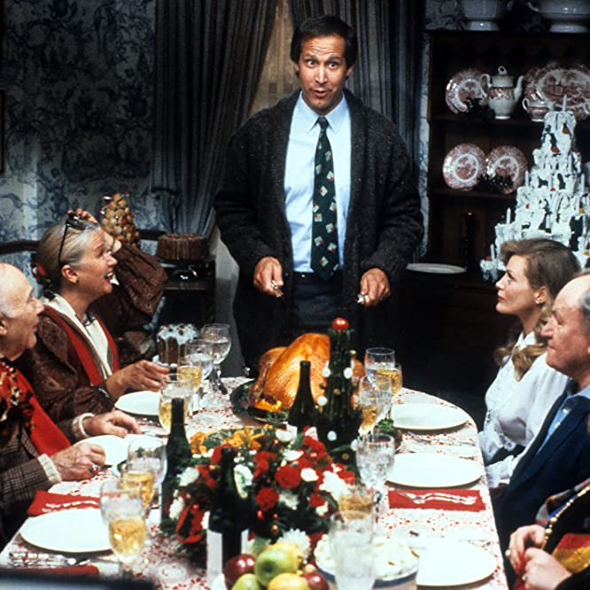 Chevy Chase, Beverly D'Angelo, Diane Ladd, Doris Roberts, E.G. Marshall, and John Randolph in Christmas Vacation (1989)