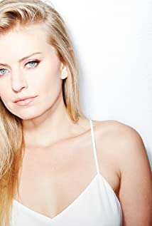 Sarah Minnich Picture