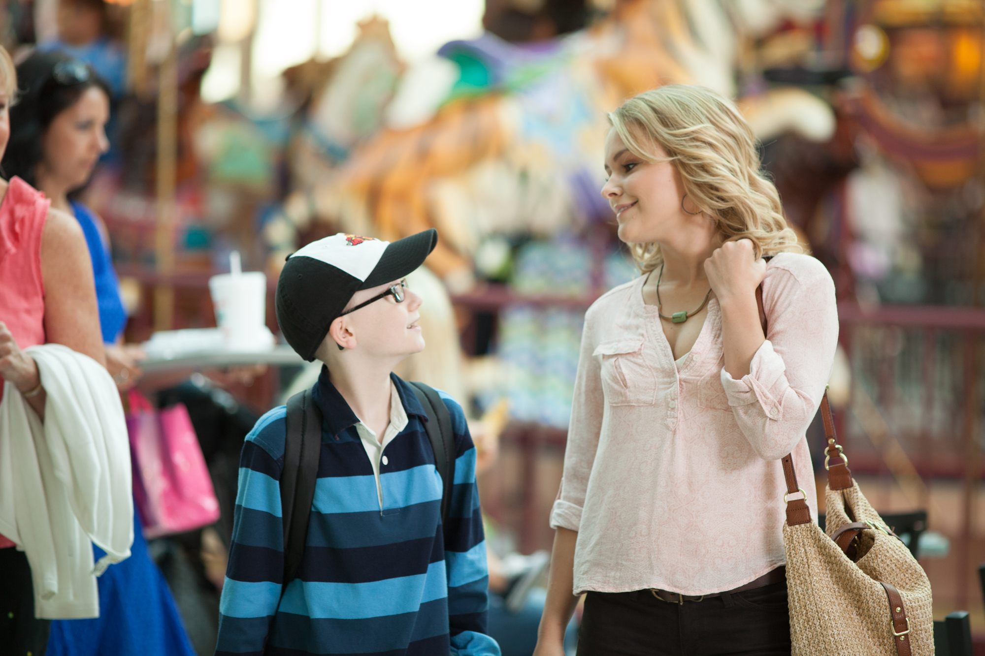 Cassi Thomson and Major Dodson in Left Behind (2014)